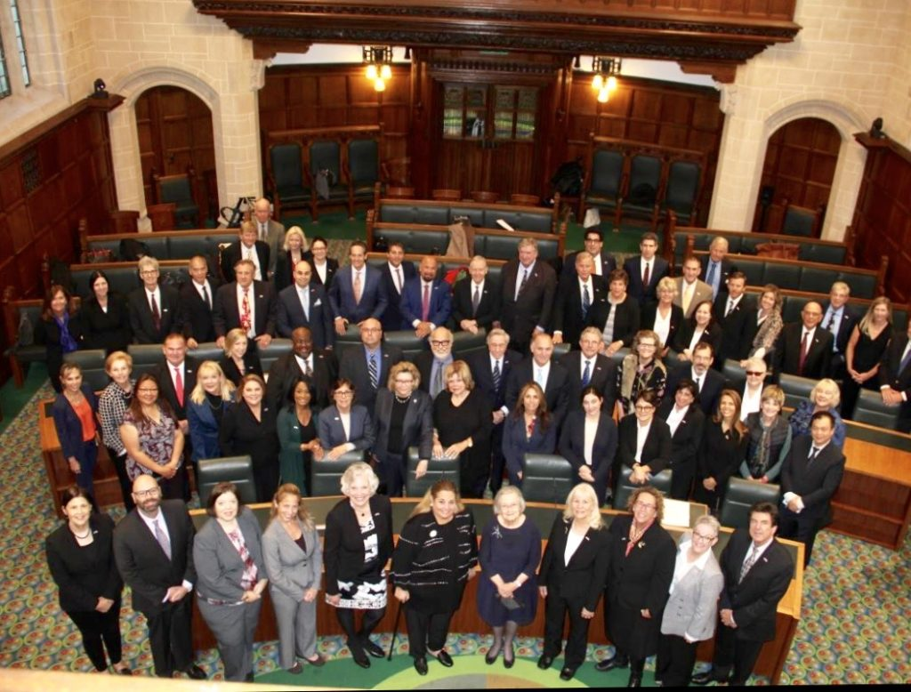 """The entire group of California Lawyers (around 60 program participants) at the UK Supreme Court with its President, the right Honorable The Baroness Hale of Richmond (""""Lady Hale"""" the first woman Justice of the Supreme Court)."""